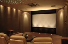 10 Basement Home Theater for an Ultimate Pleasure at Home – – Media Room İdeas 2020 Best Home Theater, At Home Movie Theater, Home Theater Design, Home Cinema Room, Home Theater Rooms, Home Entertainment, Basement Movie Room, Best Color Schemes, Media Room Design