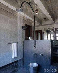 Bathroom. Banheiro.