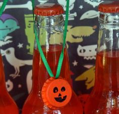 Recycled Bottle Cap Jack o Lantern necklace - sugar free halloween craft - dollar store crafts