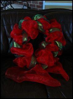 DIY Deco Mesh Wreath