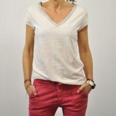 Camiseta cuello pico plata