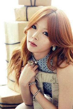 CELEBRIDADES FEMENINAS Por E TValens: Kim Hyun-a: Otra hermosa asiática una surcoreana bellisima y seductora.