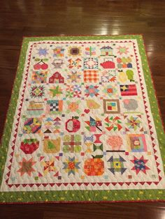 Awesomely amazing :D Farm Girl Vintage quilt by Polly Monica‎.