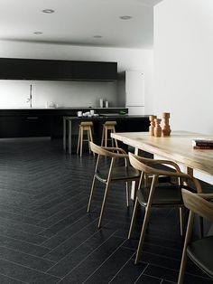 APAVISA NANOCONCEPT BLACK #apavisa #floortile #bodenfliese  #tiles #ceramictiles #tilestyle #tiledesign #naturalstone #fliesen #fliesenliebe #fliesendesign #feinsteinzeug #natursteinfliese Interior Photo, Interior Design, Visit Uk, Italian Tiles, Germany And Italy, Encaustic Tile, Style Tile, Kitchen Tiles, Tile Design