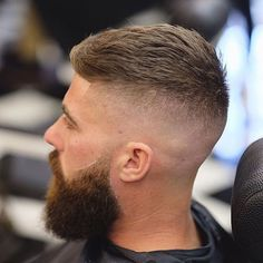 Amazing Undercut Hairstyle For Men In This Year 39 High And Tight Haircut, High Fade Haircut, Summer Haircuts, Haircuts For Men, Beard Styles For Men, Hair And Beard Styles, Short Hair Cuts, Short Hair Styles, Barber Haircuts