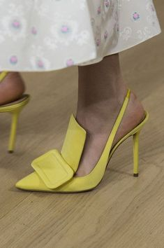 Emilia Wickstead at London Fashion Week Spring 2019 Fashion Emilia Fashion London Spring Week Wickstead London Fashion Weeks, Pretty Shoes, Beautiful Shoes, Hot Shoes, Shoes Heels, Pumps, High Heels, Talons Sexy, Flats