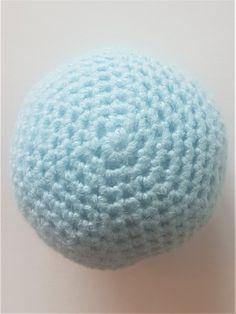 Matematisk Korrekte Hæklede Kugler - Danske Hækleopskrifter Crochet Fairy, Crochet Ball, Knit Crochet, Purl Bee, Fairy Dolls, Bean Bag Chair, Needlework, Diy And Crafts, Crochet Patterns
