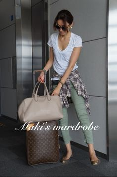 田丸麻紀『Maki's wardrobe』 in 2020 Fashion Pants, Love Fashion, Girl Fashion, Fashion Outfits, Womens Fashion, Spring Summer Fashion, Autumn Fashion, Summer Outfits, Casual Outfits