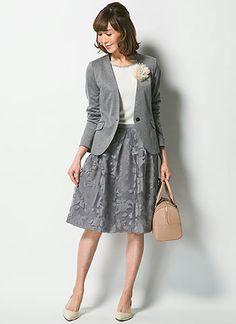 グレージャケット+グレー花柄で上品に♡卒業式スタイルのコーデ♡参考にしたいスタイル・ファッションまとめ♪