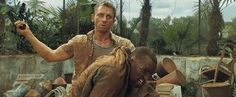 Daniel Craig as James Bond and Sébastien Foucan as Mollaka in CASINO ROYALE (2006)