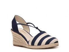 Kelly & Katie Betsy Sandal Womens Wedge Sandals Sandals Womens Shoes - DSW