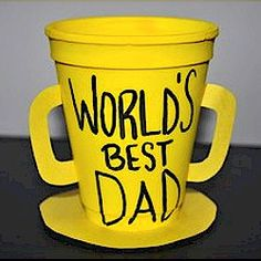 Best Dad Trophy Craft made from simple materials around the house. www.freekidscrafts.com.