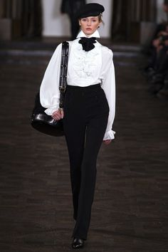Ralph Lauren Herfst/Winter 2013-14 - Ralph Lauren Herfst/Winter 2013-14 (1) - Shows - Fashion - VOGUE Nederland