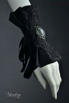 Black lace cameo wristlet