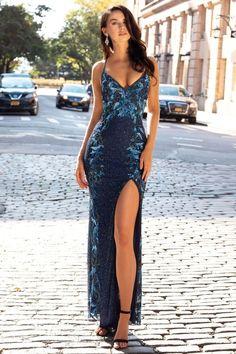 Tight Prom Dresses, Stunning Prom Dresses, Senior Prom Dresses, Pretty Prom Dresses, Prom Outfits, Gala Dresses, Sexy Dresses, Beautiful Dresses, Dress Formal
