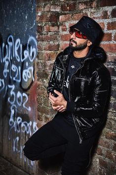 Ranveer Singh  #FASHION #STYLE #SEXY #BOLLYWOOD #INDIA #RanveerSingh Bollywood Couples, Bollywood Stars, Bollywood Celebrities, Bollywood Actress, Sunita Kapoor, Ladies Vs Ricky Bahl, Jagjit Singh, Aditya Chopra, Sanjay Leela Bhansali