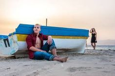 Bilderesultat for couple beach photoshoot