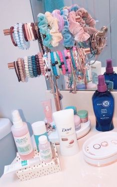 36 Simple Makeup Room Ideas Organizer for Correct Storage . - 36 Simple Makeup Room Ideas Organizer for proper storage …, - Cute Room Ideas, Cute Room Decor, Doorm Room Ideas, Aesthetic Room Decor, Makeup Rooms, Room Goals, Beauty Room, Bedroom Inspo, Gold Bedroom