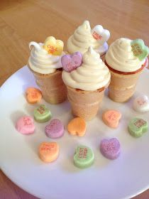 Holly Muffin: Valentines Day Mini Ice-Cream Cupcakes