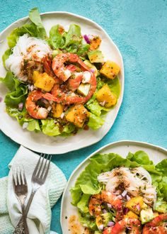 This Prawn, Mango and Avocado Salad with Noodles is perfect for balmy summer days. Great no cook meal! www.recipetineats.com
