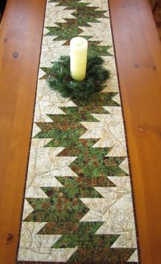 Gallery of Sold Items Table Runner with Pine Sprigs and Pine Cones Patchwork Table Runner, Table Runner And Placemats, Quilted Table Runner Patterns, Plus Forte Table Matelassés, Christmas Runner, Christmas Table Runners, Place Mats Quilted, Quilted Table Toppers, Theme Noel