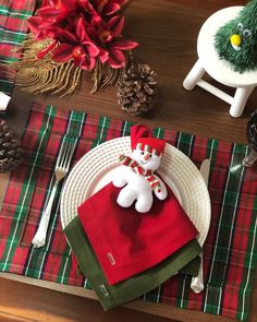 Christmas Tablescapes, Christmas Table Decorations, Holiday Decor, Christmas Time, Merry Christmas, Christmas Ornaments, Xmas, Candy Colors, Sweet Home