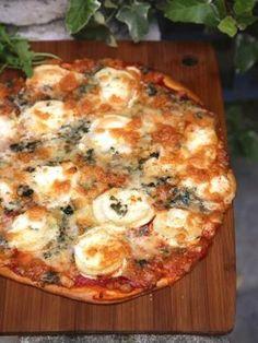 Pizza mit 3 Käsesorten - Pin This Taco Pizza, Pizza Buns, Pizza Rolls, Flatbread Pizza, Homemade Sandwich Bread, Pizza Express, Easy Pizza Dough, Mini Pizza, Pizza Casserole