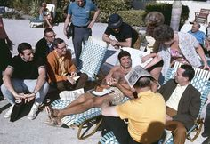 Football New York Jets QB Joe Namath casual on beach with media and fans before Super Bowl III game vs Baltimore Colts View of Brent Musburger Fort. Nfl Photos, Sports Photos, Great Photos, Sports Images, Joe Namath, Baltimore Colts, American Football League, Sports Personality, Skinny