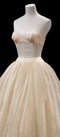 6a6dcabaef0fb Slip for under red white dress. Vintage Gowns, Vintage Lingerie, 1950s  Vintage