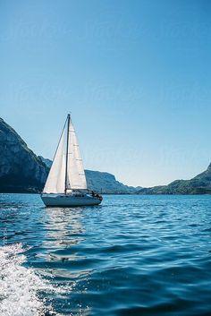 Travel Discover Sailboat sailing on the lake . by michela ravasio Sailing Girl, Sailing Ships, Sailing Catamaran, Sailing Outfit, Boat Illustration, Sailboat Painting, Ship Drawing, Boat Art, Belle Photo