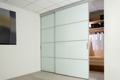 How to make a closet in a room or wardrobe closet plus sliding wardrobe doors with glass panel closet door white color the right choice Wood Sliding Closet Doors, Hanging Sliding Doors, Modern Closet Doors, Barn Doors, Sliding Cupboard, Cupboard Doors, Entry Doors, Wardrobe Closet, Closet Bedroom