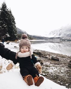 Go to ski with a baby So Cute Baby, Baby Kind, Cute Kids, Cute Babies, Baby Outfits, Mode Outfits, Little People, Little Boys, Baby Boy Fashion