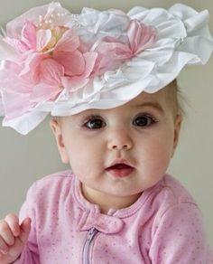 ahhh so cute Baby Hat So Cute Baby, Baby Love, Cute Kids, Cute Babies, Pretty Baby, Funny Babies, Precious Children, Beautiful Children, Beautiful Babies