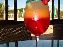Drink Pôr do Sol....drink que abusa das frutas tropicais.