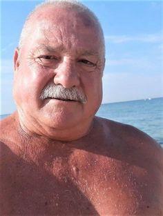 Handsome Older Men, Older Man, Bear Men, Male Poses, Daddy, Nude, Sexy, Instagram Posts, People