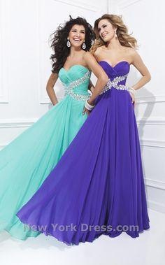NewYorkDress Blog // Summer Wedding Guest Dresses // Click through for more! // Dress: Tony Bowls TBE11412