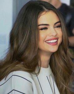 Selena Gomez Cute, Estilo Selena Gomez, Selena Gomez Hair, Selena Gomez Pictures, Selena Gomez Wallpaper, Look At Her Now, Marie Gomez, She Was Beautiful, Beautiful Actresses