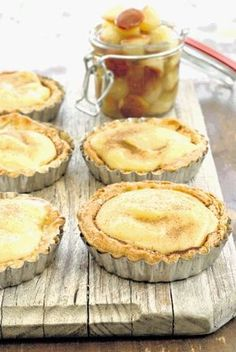 South African Milk Tart recipe WITH Angel biscuits - Wedgewood - Christine Mack - African Food Custard Recipes, Tart Recipes, Sweet Recipes, Baking Recipes, Cookie Recipes, Dessert Recipes, Microwave Recipes, Oven Recipes, Curry Recipes