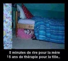 scary clown under bed, funny pictures - Dump A Day Funny Pranks, Funny Memes, Funny Quotes, Awesome Pranks, Funniest Memes, Funny Cartoons, Video Humour, Dump A Day, Scary Clowns