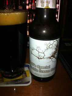 Bell's Special Double Cream Stout, from Michigan.  6.0% ABV.  A dark, full bodied beer with a very smooth mouthfeel and a sweet creamy taste.  A bit of a roasted back end, but very good none the less.