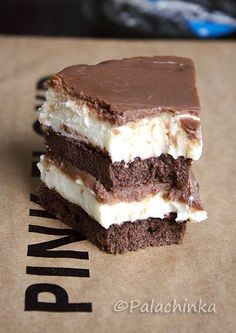 Creamy chocolate cake
