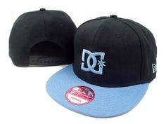 Snap Backs <3 Snap Backs, Cute Hats, Back Tattoos, Snapback Cap, Outfits For Teens, Beanies, Homework, Attitude, Boss