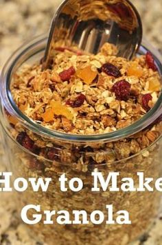 Recipe: How to Make Granola.this sounds really good! I am working on a healthier lifestyle.and I love granola! Real Food Recipes, Cooking Recipes, Yummy Food, Quaker Granola, How To Make Granola, Peanut Butter Granola, Menu, Love Food, Healthy Snacks