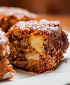 42 Ideas Breakfast Cake Banana For 2019 Sweet Recipes, Cake Recipes, Vegan Recipes, Greek Burger, Breakfast Cake, Love Food, Cupcake Cakes, Bakery, Food Porn
