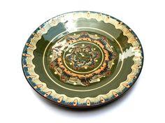 Assiette décorative Troyan . Grande poterie en céramique verte bulgare . Art…