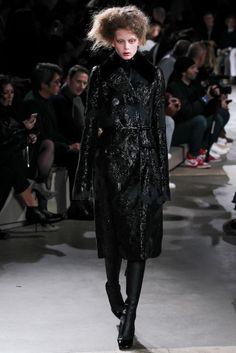 Alexander McQueen Herfst/Winter 2015-16 (1)  - Shows - Fashion