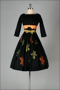 1950's Wool Dress, good idea of incorporating the colors from the skirt into the top/pretty fall dress