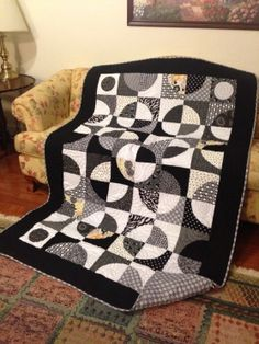 I found this amazing quilt by Roberta S. at the AccuQuilt Quilter's Spotlight. See Show-and-Tell from other quilters or share your favorite. #accuquilt