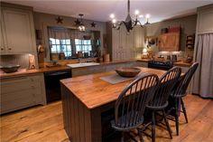 New Kitchen, Kitchen Dining, Kitchen Decor, Kitchen Ideas, Dining Rooms, Kitchen Designs, Primitive Homes, Primitive Kitchen, Primitive Decor
