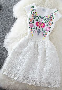 Blooming Floral Embroidery Lace Sleeveless Crew Neck Flare Dress